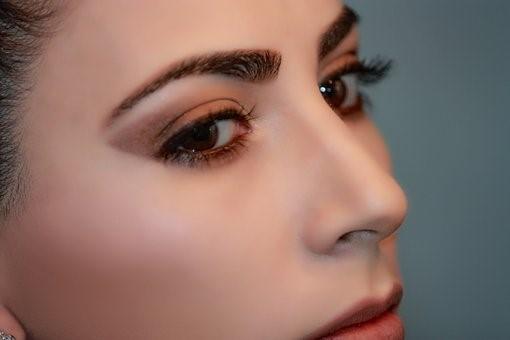 Maquillage permanent des sourcils : ce que vous devez savoir