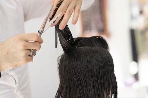 Pourquoi aller chez le coiffeur est-il important ?