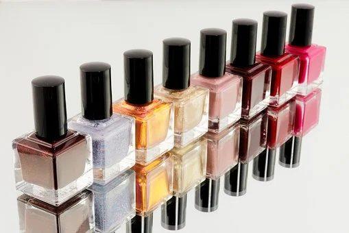 Manucure : miroir, miroir, qui est la plus belle ?