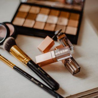 10_Minute_Glam_:_Produits_et_astuces_pour_le_maquillage_de_tous_les_jours