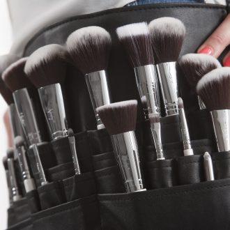 Le_meilleur_nettoyeur_pour_pinceaux_de_maquillage_pour_une_peau_saine_et_éclatante